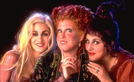 the three hilarious witches of hocus pocus gee even as a witch sarah still looks gorgeous - Halloween Movies About Witches